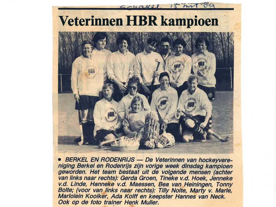 15 maart 1989 - De Schakel voorloper van De Heraut meldt het kampioenschap van de Veterinnen