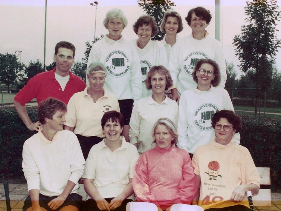 Veterinnen sep 1992 - Henriette van Dijk viert 40e verjaardag