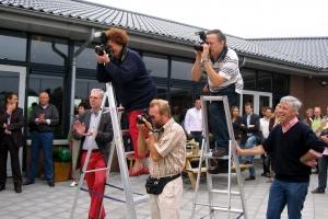 Erik met op de trappen Trees Borkes (Heraut) en clubfotograaf Erik van Dort