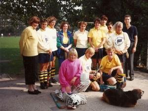 1989-1990 Erik met de Dinsdag Veterinnen waaronder Tilly Nolte en Ada Kolff