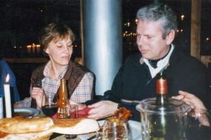In maart 2000 met Annelies van Heusden bij een etentje van de Veterinnen