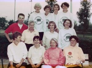 1992 Erik met Veterinnen team