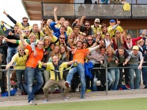 Juni 2013 - HBR fans vieren de promotie van Dames 1 naar de 2e klasse