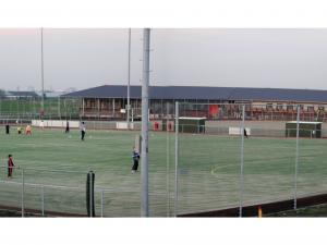 November 2004: velden in gebruik, clubhuis in aanbouw