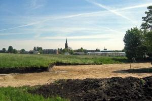 5 mei 2004 vorm van het clubhuis uitgegraven