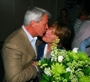 2009: Annelies van Heusden wordt als VvhJ gefelicieerd door voorzitter en ere-lid Jörg Plönissen