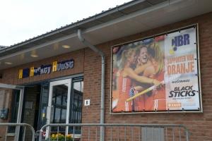 Interland op HBR: Welkomstdoek voor de speelsters