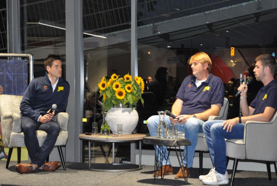 Een interessant interview door Liam met Charlie en Jordy