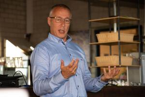 René Reusen gaf uitleg over velden en energiebesparing